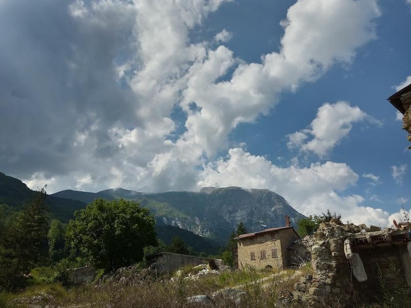 """Monte Vettore in """"paesi scomparsi"""" - immagine da Piedilama di Arquata del Tronto."""