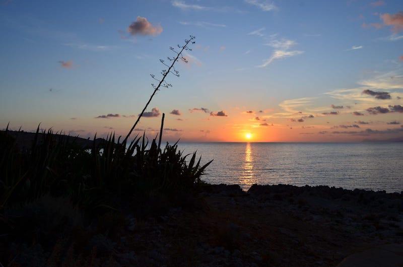 Un nuovo giorno sul mare blu di San Vito lo Capo