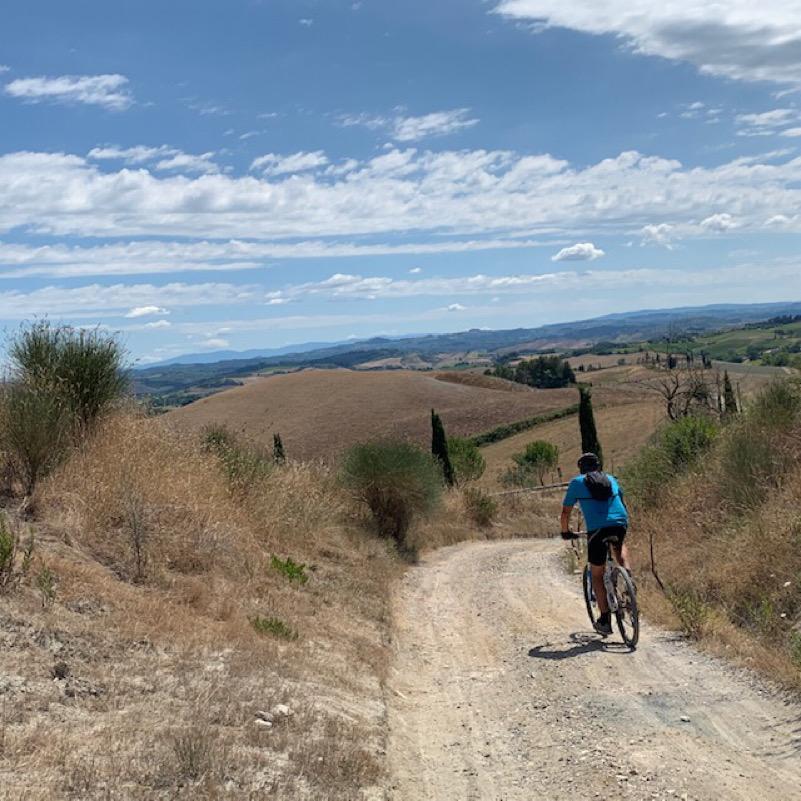 In mountain bike sulla via Francigena