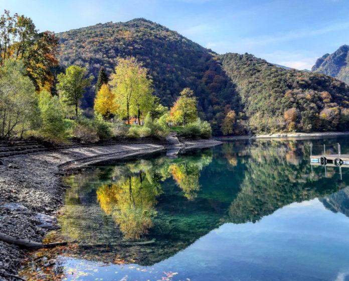 Giochi di riflessi - Lago di Ledro