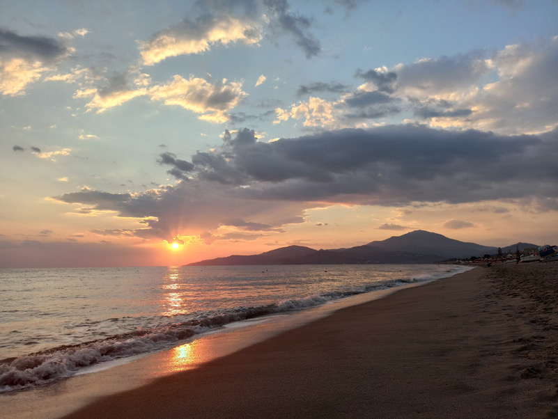 wonderful sunset from the beach (M. Ascea)