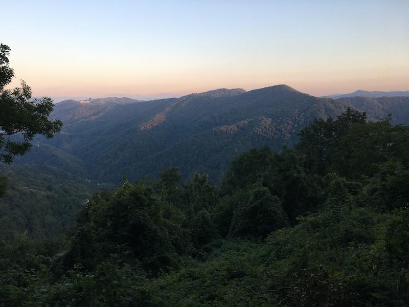 Valli del Natisone al confine con la Slovenia, sulle tracce della storia ai piedi del castagno monumentale