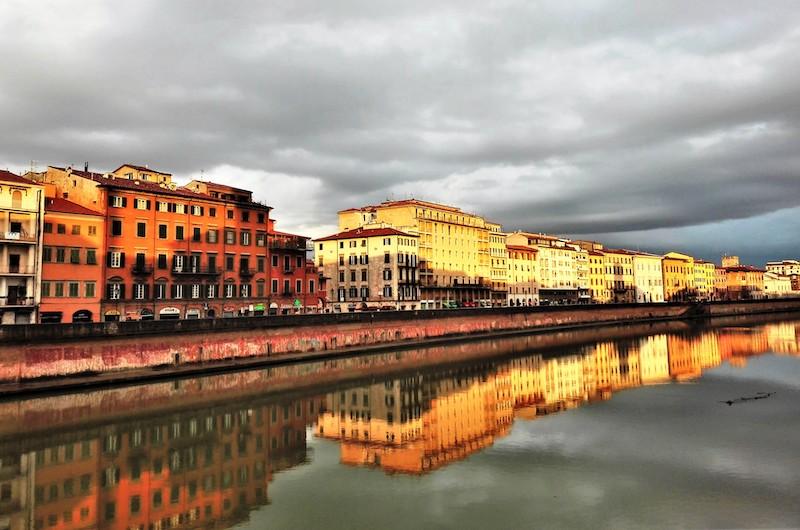 L'Arno qui ancora ha tremiti freschi ... poi lo occupa un silenzio dei più profondi ... (D.Campana)