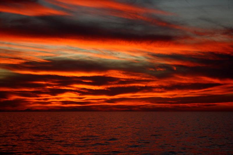 La magia di un tramonto ( a circa 50 Km dalla costa marchigiana)