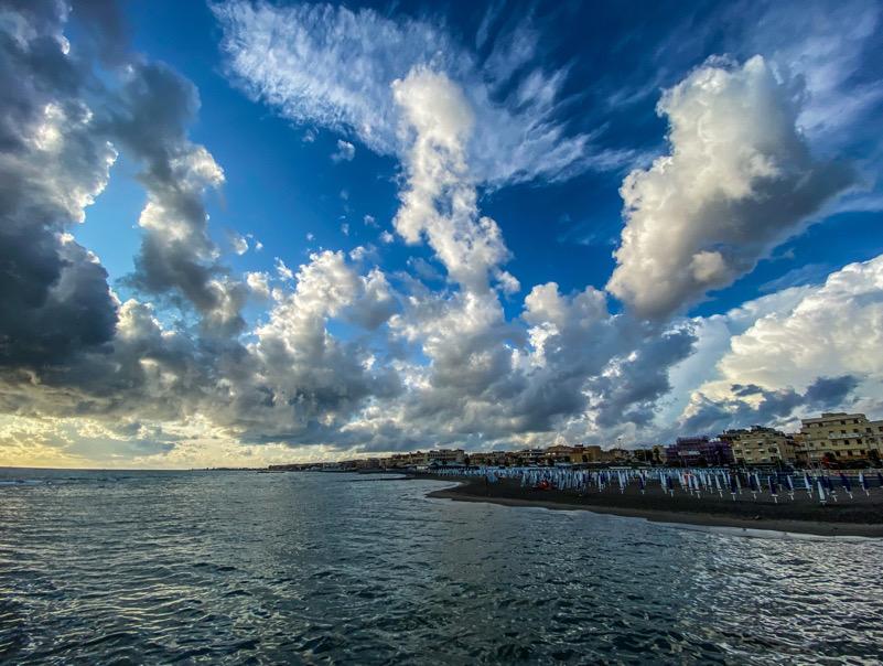 Il mare e il cielo di Ostia